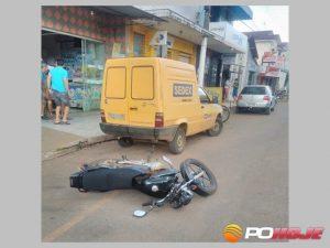 Moto deixada caída na rua pelos bandidos na fuga