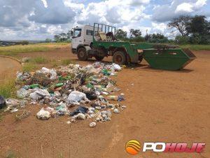 """Lixo jogado no """"Cruzeiro"""" saída de Galena"""
