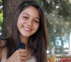 Cantora Yasmin Costa de Lagoa Grande